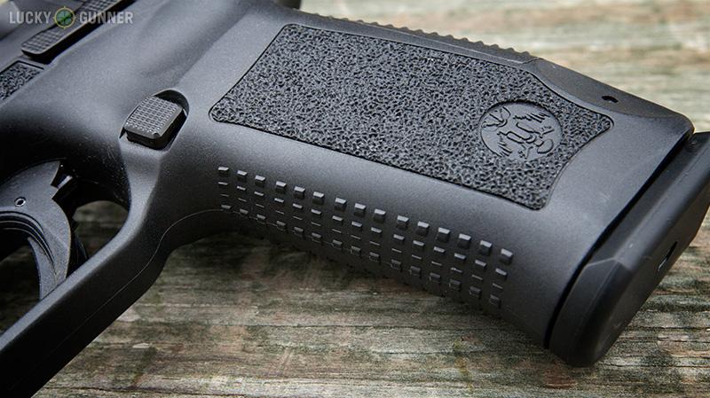 Canik TP9 SA Grip texture