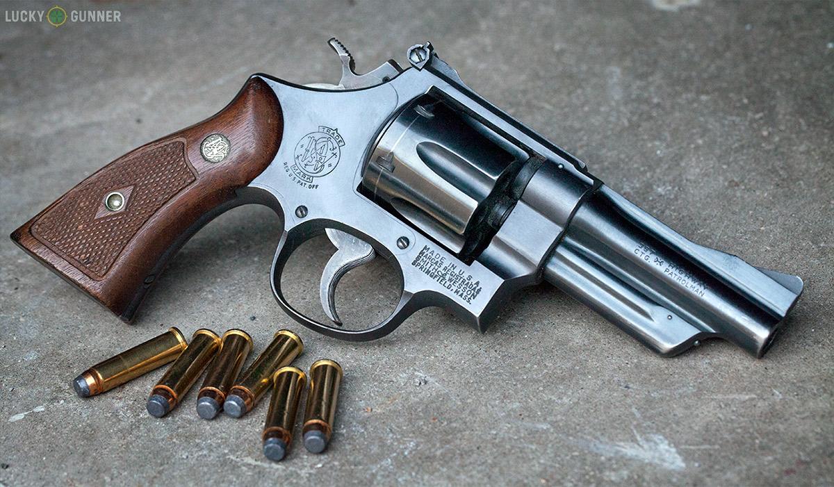 Semi-Automatic Pistols vs  Revolvers - Which is Better?